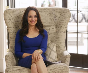 "Madeleine Stowe Teases ""Close"" Mother-Son Relationship on Revenge Season 3, ""Dark"" Times Ahead"