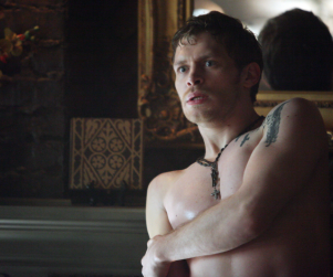 The Vampire Diaries Picture Preview: Scared and Shirtless