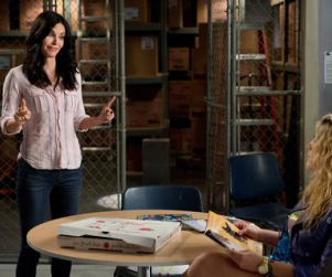 Cougar Town Review: The Grocery Store Club