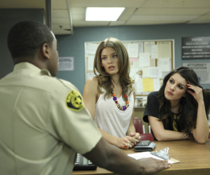 90210 Review: That's What Families Do