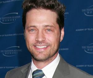Jason Priestley Teases 90210 Directorial Debut