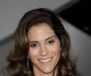 Entourage Spoilers: Jami Gertz and Autumn Reeser Cast!