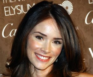 Abigail Spencer and Perrey Reeves to Guest Star on Castle