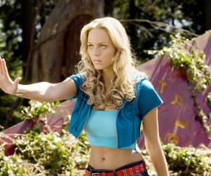 Laura Vandervoort to Reprise Role on Smallville
