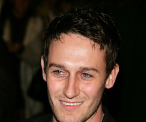 Josh Stewart Nabs Recurring Role on No Ordinary Family