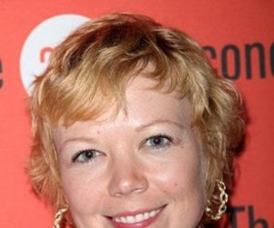 Emily Bergl to Recur on Desperate Housewives as Paul's Wife