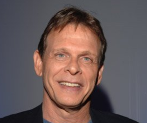 Marc Singer to Play Key Role on V