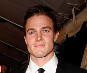 Who Will Stephen Amell Play on The Vampire Diaries?