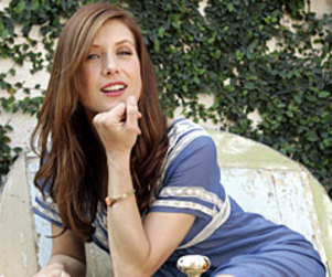 ABC Execs Banking On Grey's Anatomy Secret Weapon: Kate Walsh