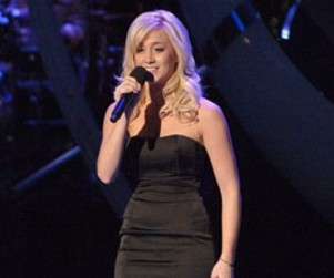 Kellie Pickler Shares Impressions of Idol Tour