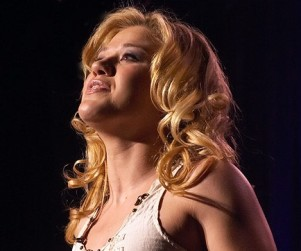 Win a Chance to Date Kelly Clarkson... or Close to it