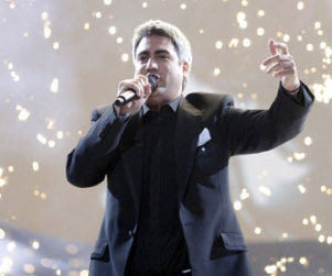 Taylor Hicks to Perform at Kentucky Speedway