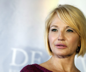 Ellen Barkin Cast on Modern Family As...