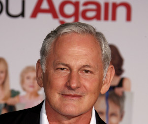Victor Garber to Stir Up Trouble on The Big C