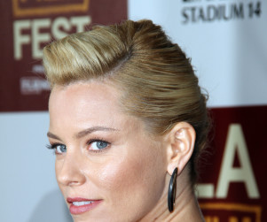 Elizabeth Banks to Appear on Family Guy Season Premiere