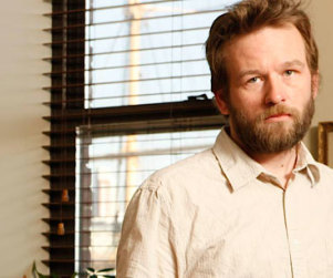 "Dallas Roberts to Play ""Details Guy"" on The Walking Dead"