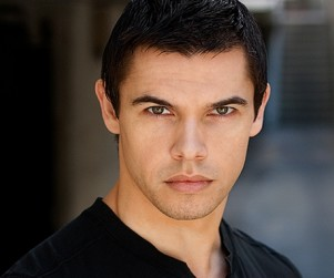 Paul Telfer Cast as Ancient Hunter on The Vampire Diaries