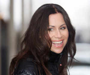 Minnie Driver to Play Mother on About a Boy
