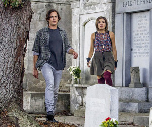 Ravenswood Premiere Photo: First Look!