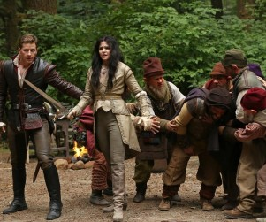 Once Upon a Time Spoilers: Contained Magic, A Mystery Man for Regina and More!
