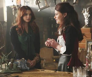 Once Upon a Time Picture Preview: A Stranger in Storybrooke
