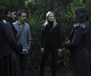 Once Upon a Time Bosses Tease Pan's Evilness, Ariel's Return & More