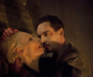 Dracula: Watch Season 1 Episode 10 Online