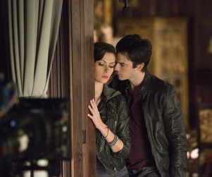 The Vampire Diaries EXCLUSIVE: Look Who's Getting Cozy...