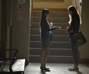 Pretty Little Liars Picture Preview: Pill Popping and Teacher Trailing