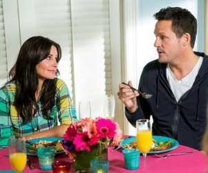 Cougar Town Review: The Brunch Club