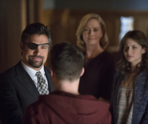 Arrow: Watch Season 2 Episode 15 Online