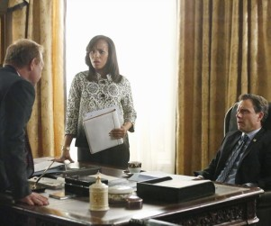 Scandal First Look: Sally's Packing Heat!