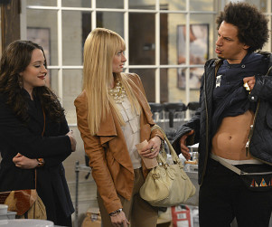 2 Broke Girls Review: Max Makes a Sacrifice