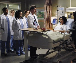 "Grey's Anatomy Music: ""Go It Alone"""