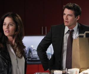 The Mentalist Season Finale Scoop: Who Will Propose?