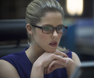 Arrow Casts Felicity's Mom!