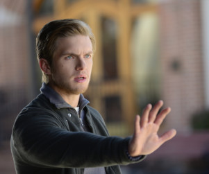TV Ratings Report: The Vampire Diaries Crashes, Big Bang Falls