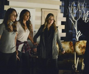 Pretty Little Liars Review: Waiting for A-nswers