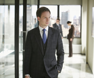 Suits Scoop: Aaron Korsh on New Harvey/Mike Dynamic, Jessica's Romance & More!