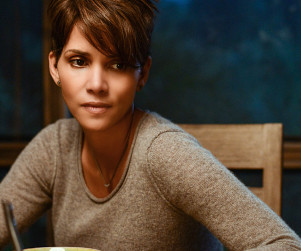 Extant: Watch Season 1 Episode 1 Online