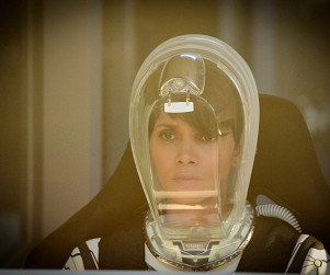 Extant Review: Transcendence