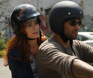 The Mysteries of Laura Season 1 Episode 3 Review: The Mystery of the Biker Bar