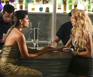 Jane the Virgin: Watch Season 1 Episode 9 Online
