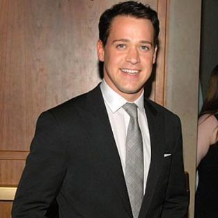 Grey's Anatomy Rumors: T.R. Knight Wants Out