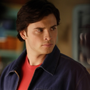 Smallville Spoilers: Tess to Track Down Davis