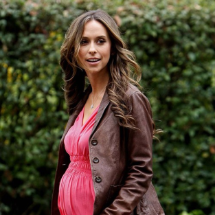 Melinda Gordon: Totally Preggers!