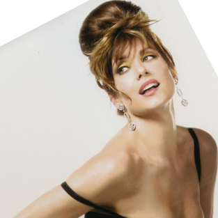 Kate Walsh: Hollywood Pinup