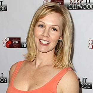 Jennie Garth to Boogie Down on Dancing with the Stars