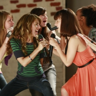 "90210 Spoilers: Summary, Pictures from ""The Bubble"""