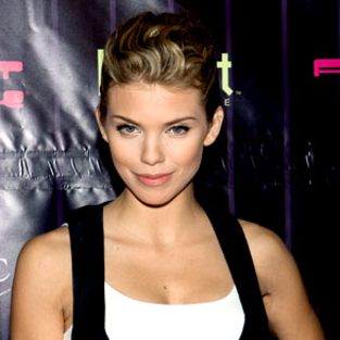 AnnaLynne McCord: 90210 is Family Oriented!